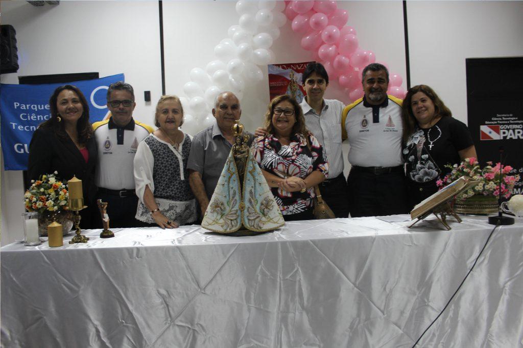 Parte da Diretoria da Festa e equipe da Fundação Guamá
